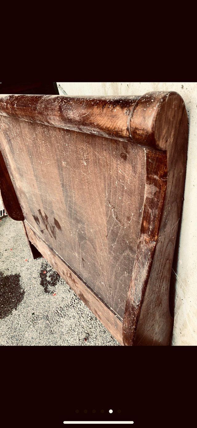 Cama antigua y/o sillón