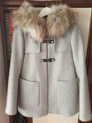 Abrigo trenka de Zara con pelo