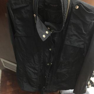chaqueta zara con coderas de cuero