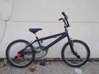 BMX bicicleta trucos