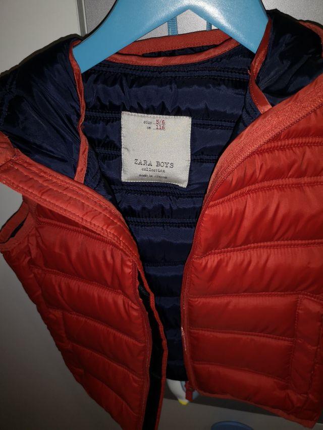 chaqueta sin mangas de zara