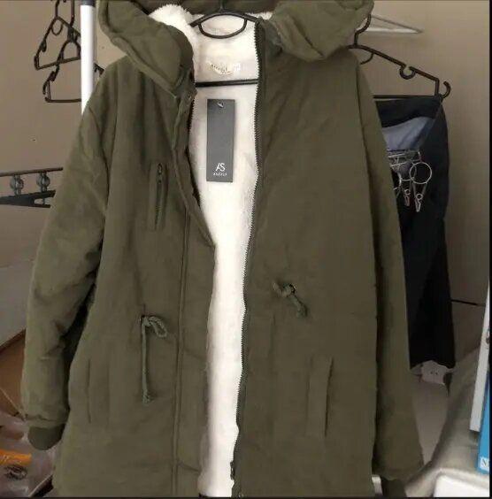 Abrigo mujer parka talla L verde con borreguito