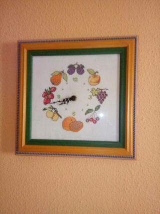 Vendo cuadro frutal bordado