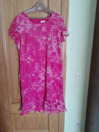 vestido rosa fusia. Talla 56