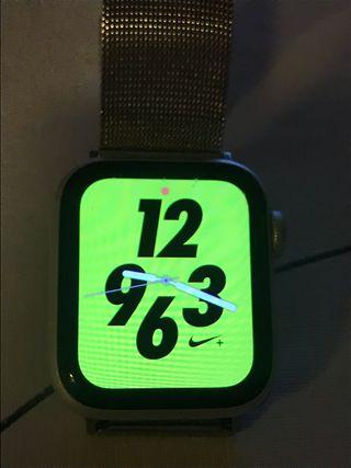 Apple Watch 4 Nike+ GPS