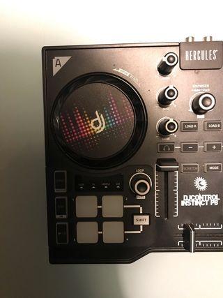Controladora Hércules DJ instinct p8 con poco uso