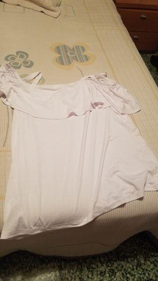 Camiseta que se ven los hombros