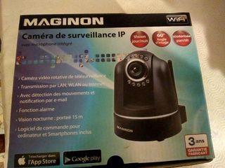 caméra de surveillance d'extérieur
