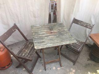 Mesa y 3 sillas jardín