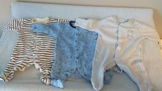 Vendo Lote 3 pijamas. Talla 1 mes