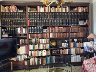 Librería madera clásica