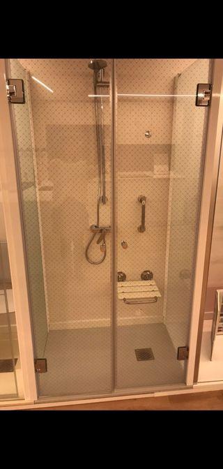 Mampara de ducha a estrenar