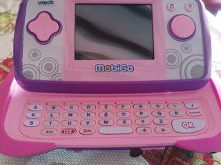 consola con teclado marca mobigo'vtech'