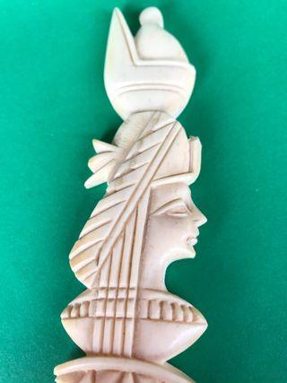 Espada Nefertiti en hueso de camello