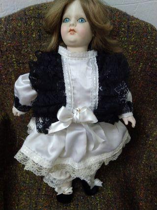 Muñeca antigua de porcelana Ramón Ingles
