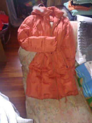 abrigo pluma mujer entallado