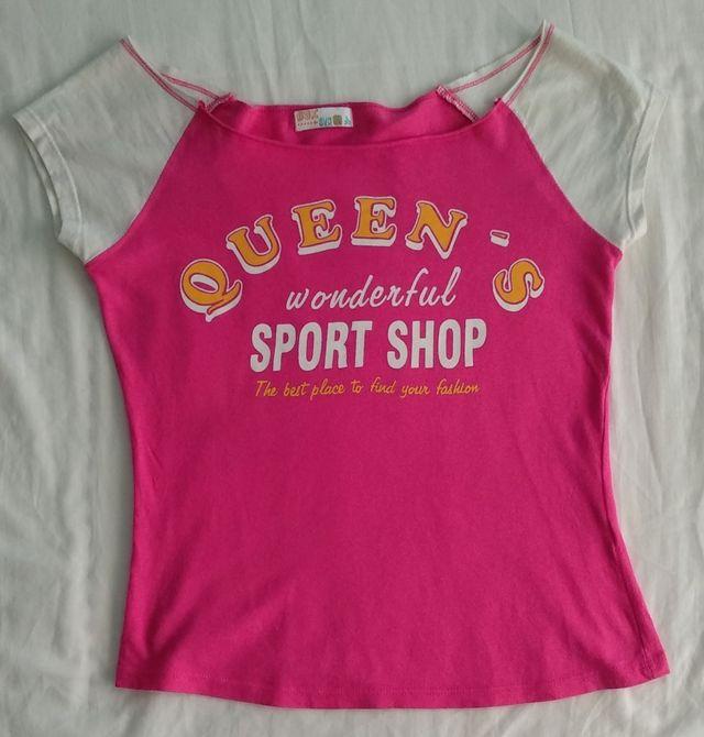 Camiseta fucsia beisbolera