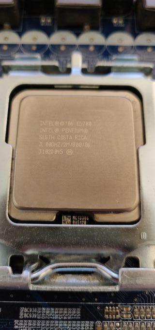 CPU PENTIUM 3.0 Ghz E5700 y placa base