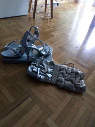 sandalias y cartera fiesta