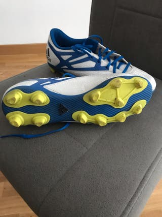 Botas para césped artificial adidas
