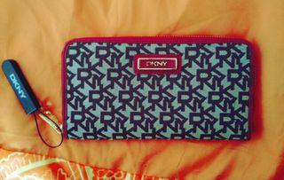 Monedero/Billetera DKNY original. Nuevo