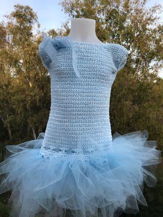 Vestido crochet y tul