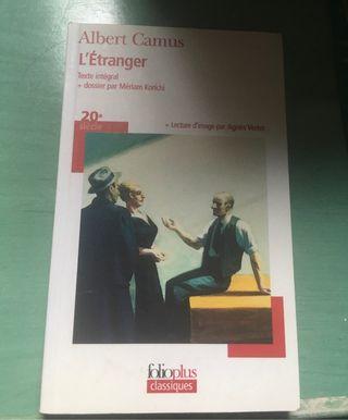 Libro l'étranger en francés