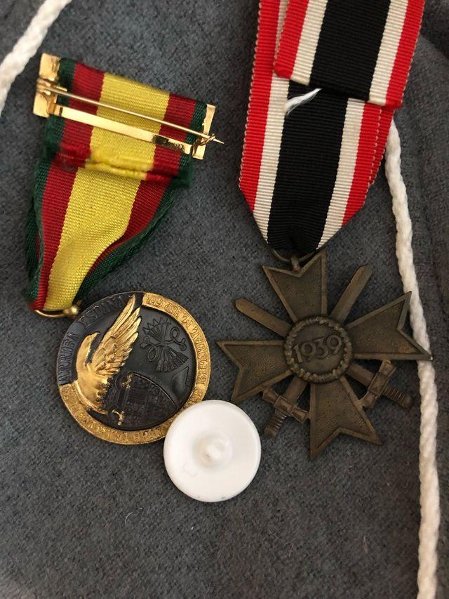 Medallas originales y pin guerra civil