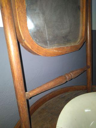 Antiguo mueble tocador.