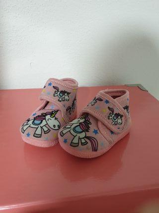 zapatilla casa niña rosa unicornios