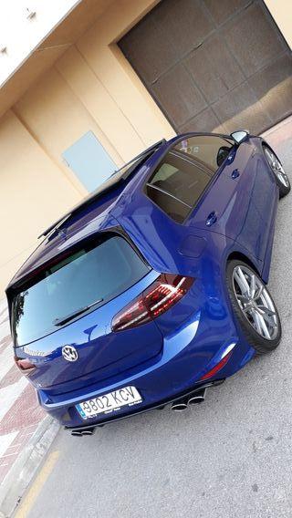 Volkswagen Golf r300 tope gama