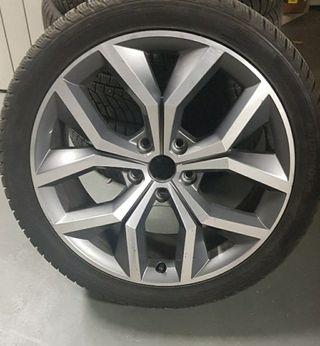 Llantas 18 y neumáticos Hankook de invierno. 800€