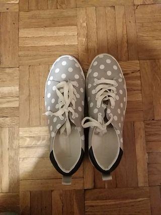 Zapatillas lunares seminuevas zara