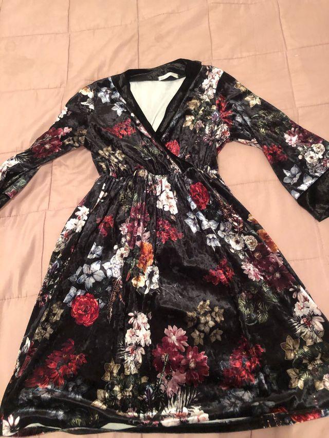 Vestido terciopelo flores