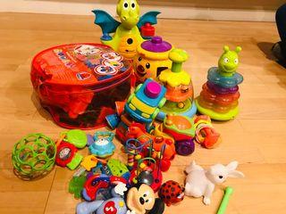 Lote de juguetes primer año