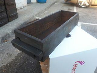Cajón de madera industrial