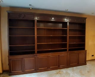 Preciosa librería clásica madera