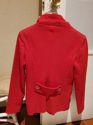 Abrigo rojo de paño