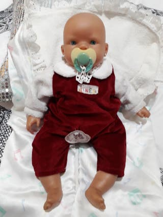 muñeca bebé nines de onil con etiqueta.