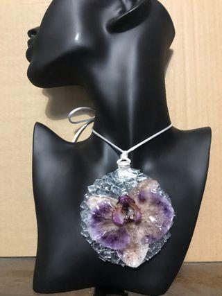 Cabochon colgante cristal con orquidea natural
