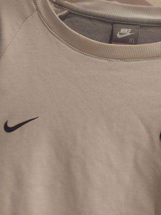 mejor mayorista últimos lanzamientos como comprar Sudadera Nike cortez de segunda mano por 70 € en Madrid en WALLAPOP