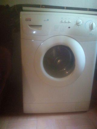 vendo lavadora seminueva