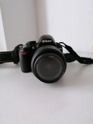 Cámara réflex Nikon D3100
