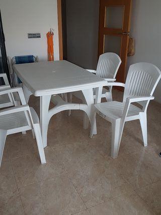 Conjunto mesa plástico blanco + 4 sillas nuevas