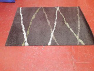 alfombra de color marrón baño/habitacion/cocina