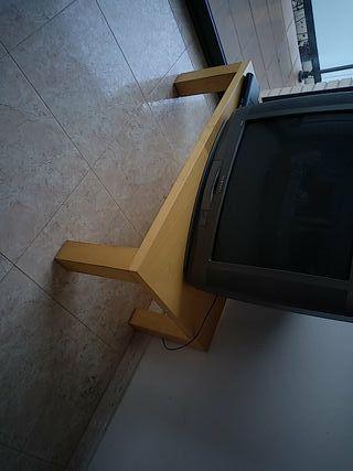 Mesa madera robusta para comedor