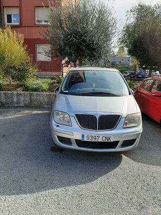 Lancia Phedra 2003