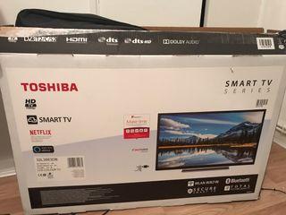 32 inches Smart TV Full HD Toshiba