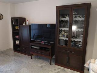 Mueble de Salón y Mesa de Comedor con 4 sillas