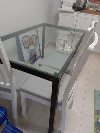 Mesa salón / urge vender